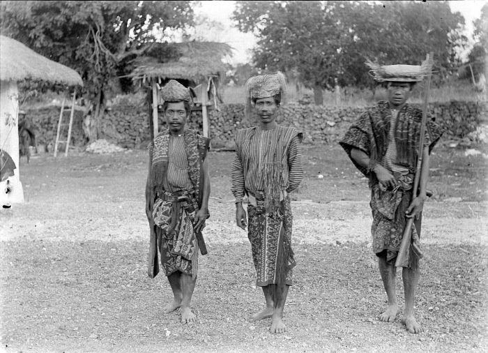 Rotinese. Korbafo chief with warriors, 1900.