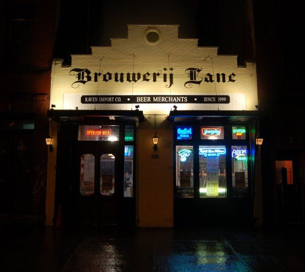 Brouwerij Lane: Greenpoint`s Sit-Down-Or-Take-Home Craft Beer Pitstop