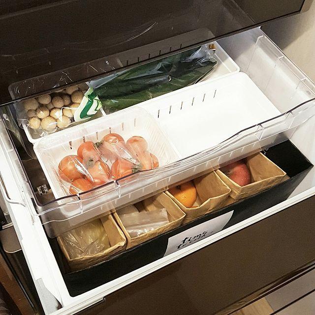3LDKのシンプル/北欧インテリア/白黒グレー/白黒インテリア/白黒/野菜室収納…などについてのインテリア実例を紹介。「野菜室」(この写真は 2017-02-15 01:40:48 に共有されました)