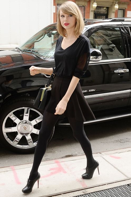 Say what you like about Taylor, but she has an amazing taste in fashion. All Black = So Perf