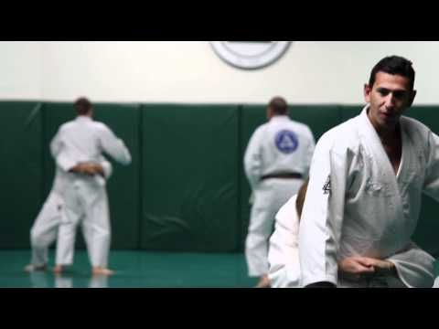 Gracie Combatives by the Gracie Academy