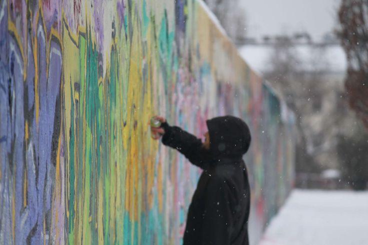#berlin #berlin wall #berliner mauer #can #colorfull #colors #graffiti #man #mauer #wall