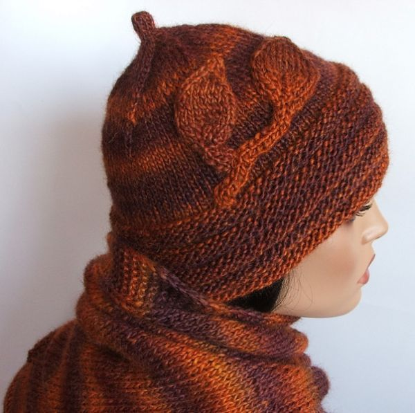 Znalezione obrazy dla zapytania czapka z melanżowej włóczki robiona na drutach
