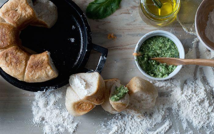 50年以上の時を経て復刻。南部鉄器で極上のパンを焼く「タミパンクラシック」 | roomie(ルーミー)