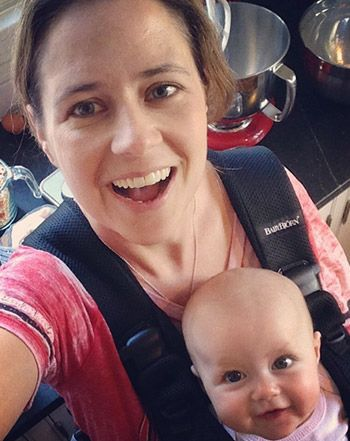 Jenna Fischer shared an adorable selfie of herself and her smiling 5-month-old daughter Harper -- see the cute picture here!