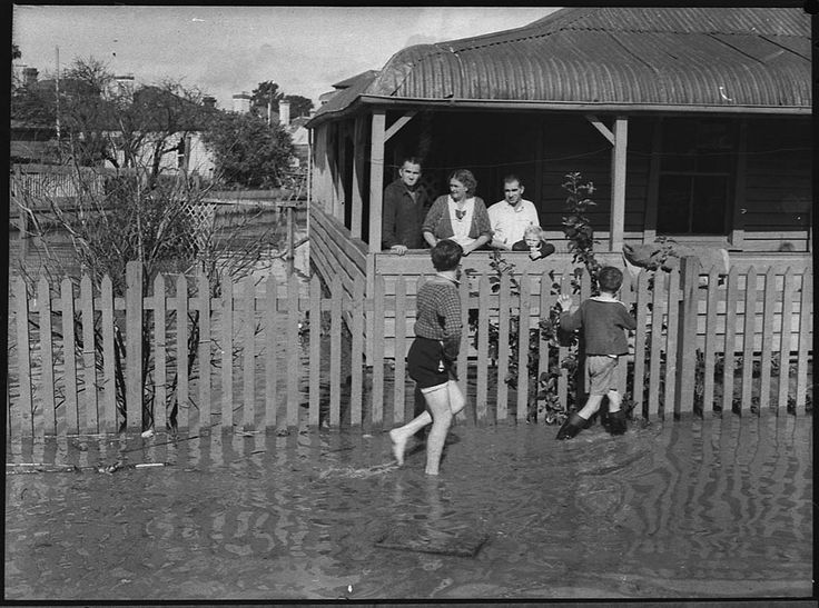 https://flic.kr/p/9aTicA | Maitland flood, 21 June 1950 | Format: Photograph   Find more detailed information about this photograph: acms.sl.nsw.gov.au/item/itemDetailPaged.aspx?itemID=31178  Search for more great images in the State Library's collections: acms.sl.nsw.gov.au/search/SimpleSearch.aspx   From the collection of the State Library of New South Wales www.sl.nsw.gov.au