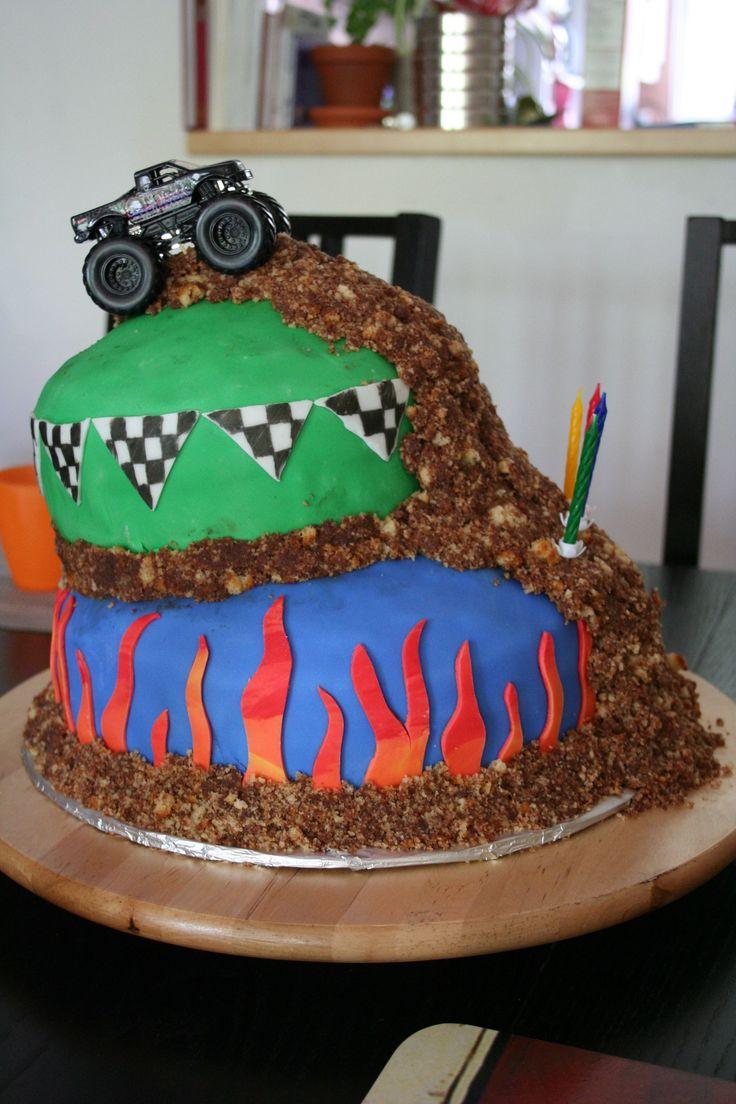 Gâteau Monster Trucks