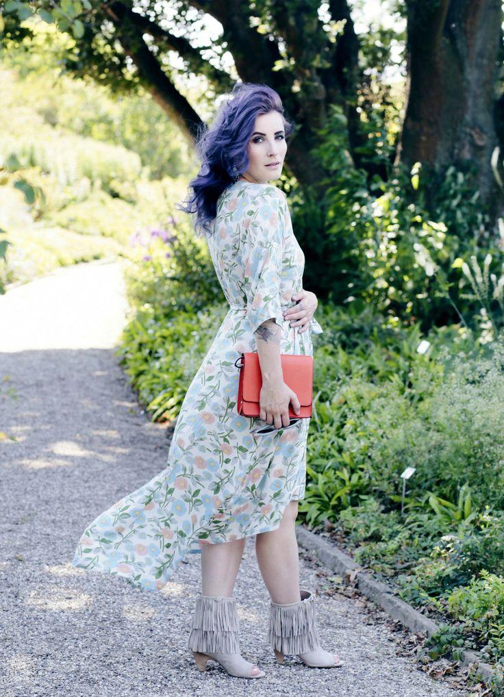 Maxikleid Blumenprint, geblümtes Maxikleid, luftiges Sommerkleid, Alice's Pig Review, Like A Riot, Retro Mode Blog, german fashion Blog, deutscher Mode Blog