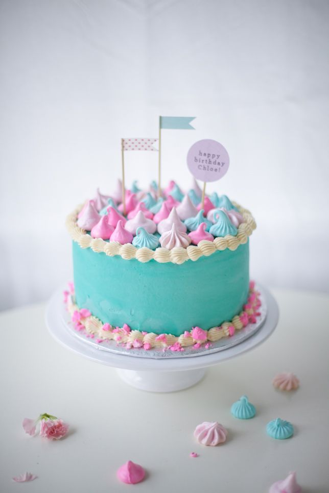 Love these colors! disney frozen cake with meringues - coco cake land