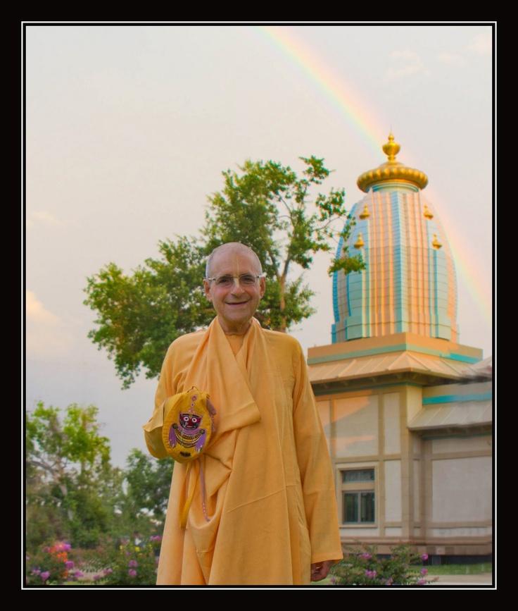 HH Giriraj Swami at Houston Iskcon temple.