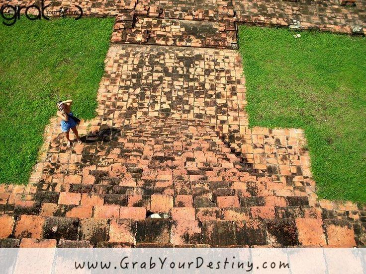 Temples and City of Ayutthaya - Phra Nakhon Si Ayutthaya #Thailand #GrabYourDestiny #Ayutthaya #Travel