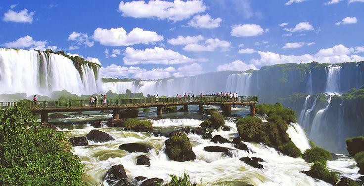Iguazu, passerelles sur les chutes