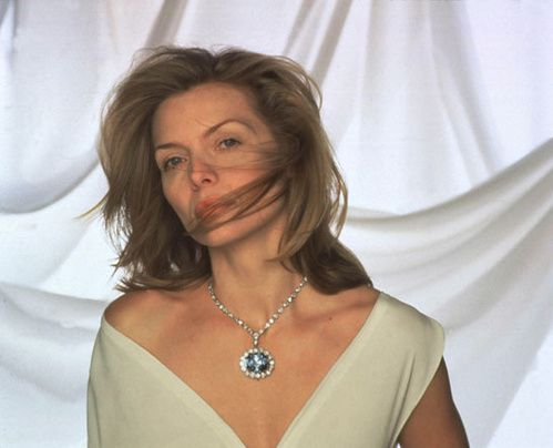 Michelle Pfeiffer Hope collier Harry Winston Hollywood Costume