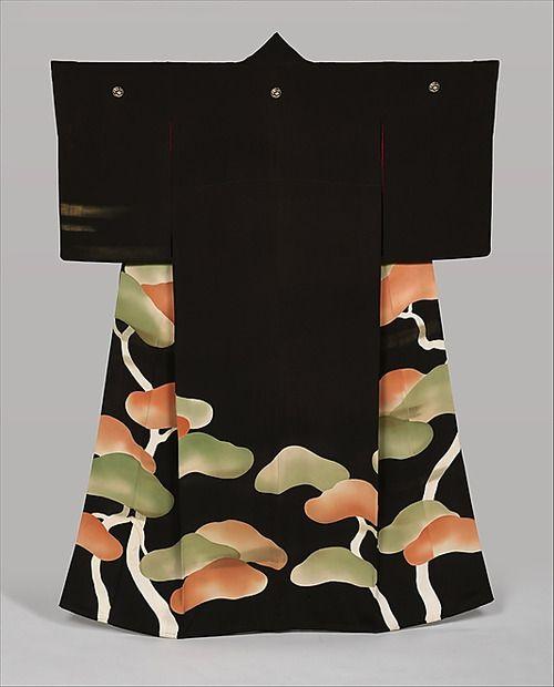 Silk kimono featuring pines and mist motifs.  Circa 1925-1950 (early Showa), Japan.