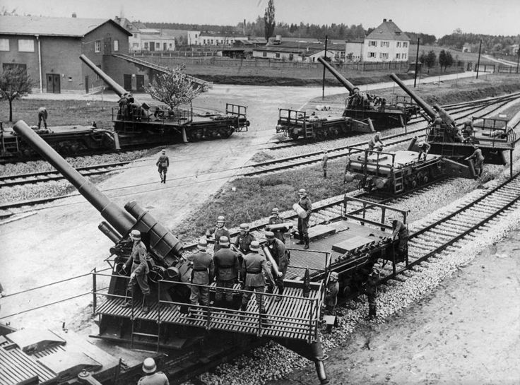 Invasion of Poland, Sept 1939: Railroad artillery ready to open fire; 150 mm guns in the foreground coupled by 170 mm in the background.