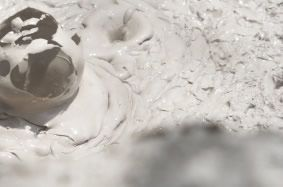 Also known for its ability to refines delicate lines and improve overall skin tone and texture, volcanic ash clay should be a weekly part of your beauty routine. With unique absorption properties, it tends to have a strong drawing affect on toxins in the skin. www.nubella.com.au