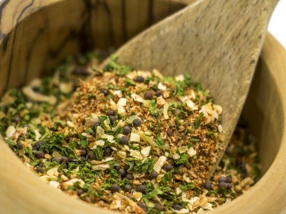 Our Smokehouse Rub brings the flavors of Midwest BBQ to your recipes.  Try this versatile rub in meats, sides, and more!