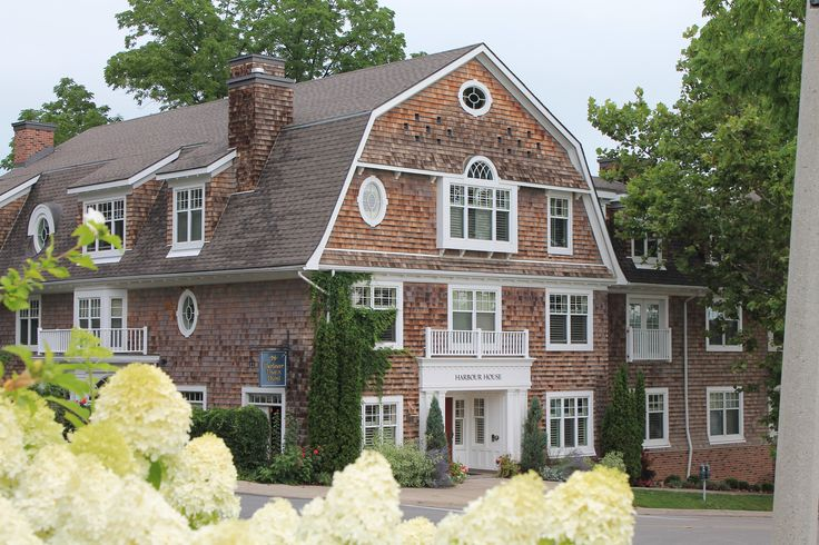 Summer at Harbour House Hotel in Niagara on the Lake.