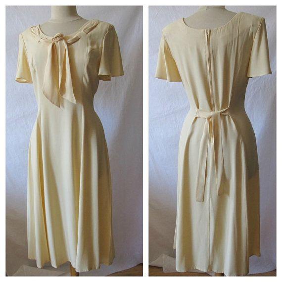Vintage Ivory Semi Formal Occasion Dress by StruckGoldVintage