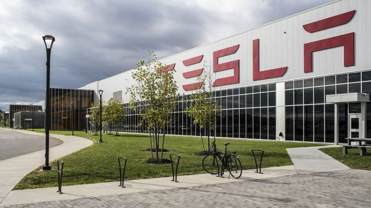 Tesla S Trumpeted Solar Shingles Are A Flop Solar Shingles Solar Installation Best Solar Panels