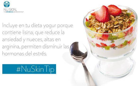 El yogur contiene linasa, que disminuye la ansiedad. #NuSkinTip http://ow.ly/z96Nd