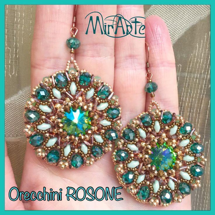 Ciao a tutti! Ecco gli orecchini Rosone e l'anello..rivoli 14 mm incastonati con tecnica Netted, i materiali per realizzarli sono : 1 rivoli 14 mm 11 cipolla...