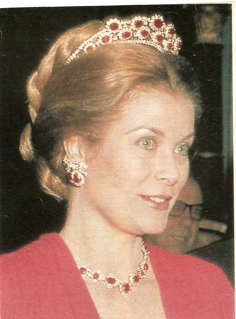 Rubies and diamonds were a popular combination with Princess Grace as they're the colours of Monaco, here's she's wearing a borrowed ruby tiara, with matching necklace.