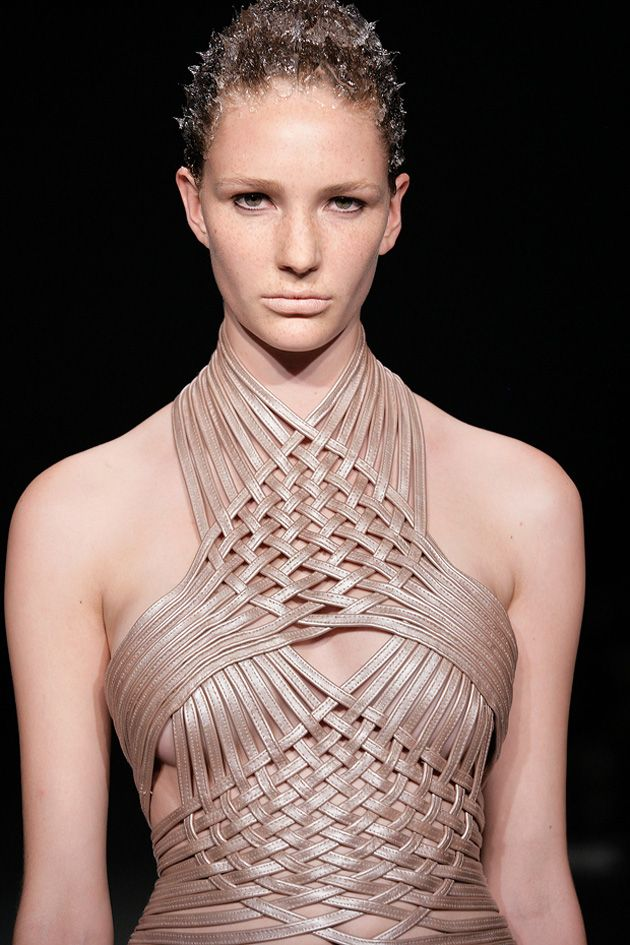 Woven leather dress - pearly metallics; structural weave; fashion details // Iris van Herpen