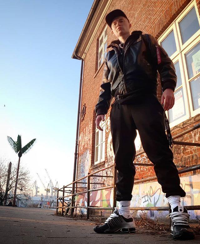 Pin von Will Truman auf Jungs | Nike shox nz, Nike shox, Hafen