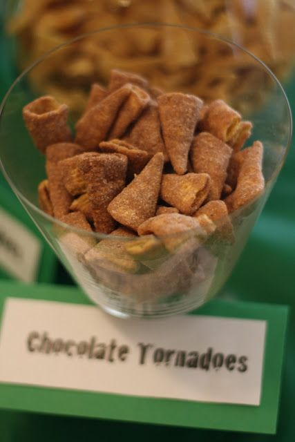 Mini tornados! Wizard of Oz Perfect for a birthday party.
