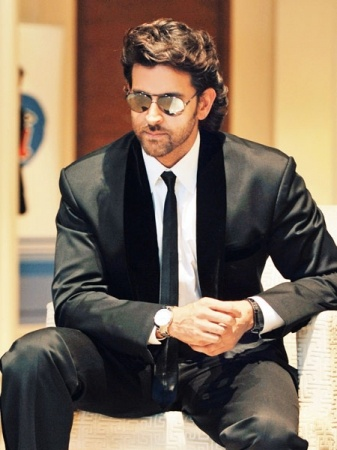 Hrithik Roshan knows how to wear a suit