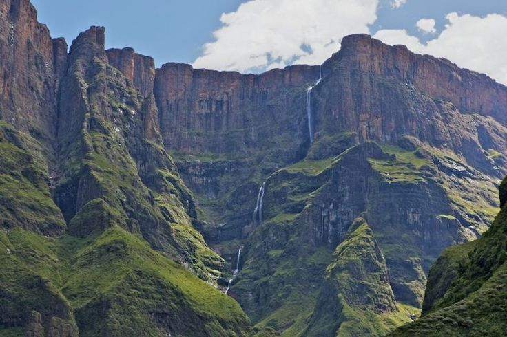Royal Natal National Park, View of the Tugela Falls from the Gorge