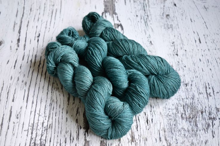 Hand Dyed Yarn, hand dyed sock yarn, fingering yarn, 4 ply yarn, merino, silk, yak, hand dyed merino, Teal Ocean by DragonsBreatheFibre on Etsy https://www.etsy.com/listing/514162683/hand-dyed-yarn-hand-dyed-sock-yarn