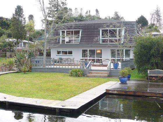 Lake Okareka - Amberlea Lake House in Lake Okareka   Bookabach   New Zealand
