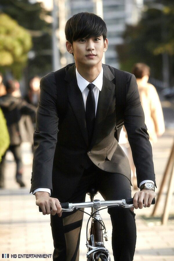 "Kim Soo Hyun. Handsome while filming ""Love from another star"""