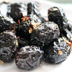 olive-nere-infornate  500 gr di olive nere grosse sale di Trapani olio extra-vergine di oliva acqua