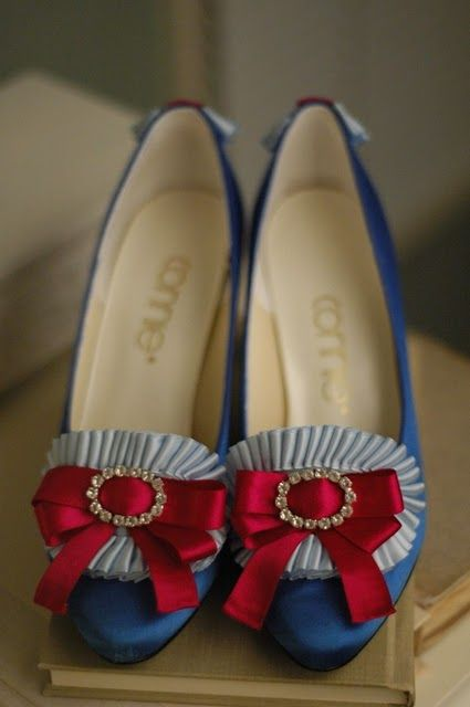 Marie Antoinette's shoes.  I think these would match the MA doll I did perfectly! Maybe someday I'll post it.