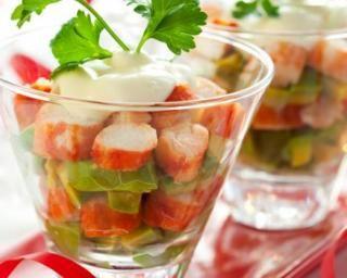 Verrines de crabe à l'avocat : http://www.fourchette-et-bikini.fr/recettes/recettes-minceur/verrines-de-crabe-lavocat.html