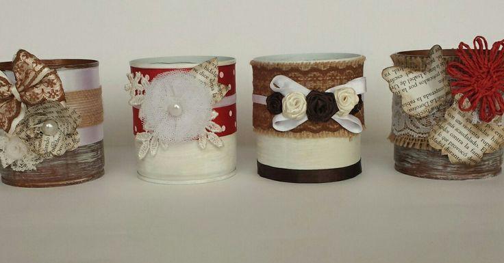 Latas decoradas con arpillera, rasos, tul, encaje, papel, puntillas...