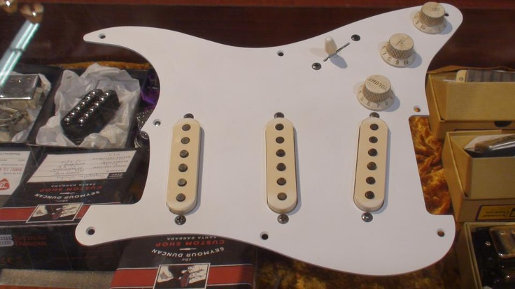 Top 25 ideas about Strat    Guitar    DIY Upgrades on Pinterest