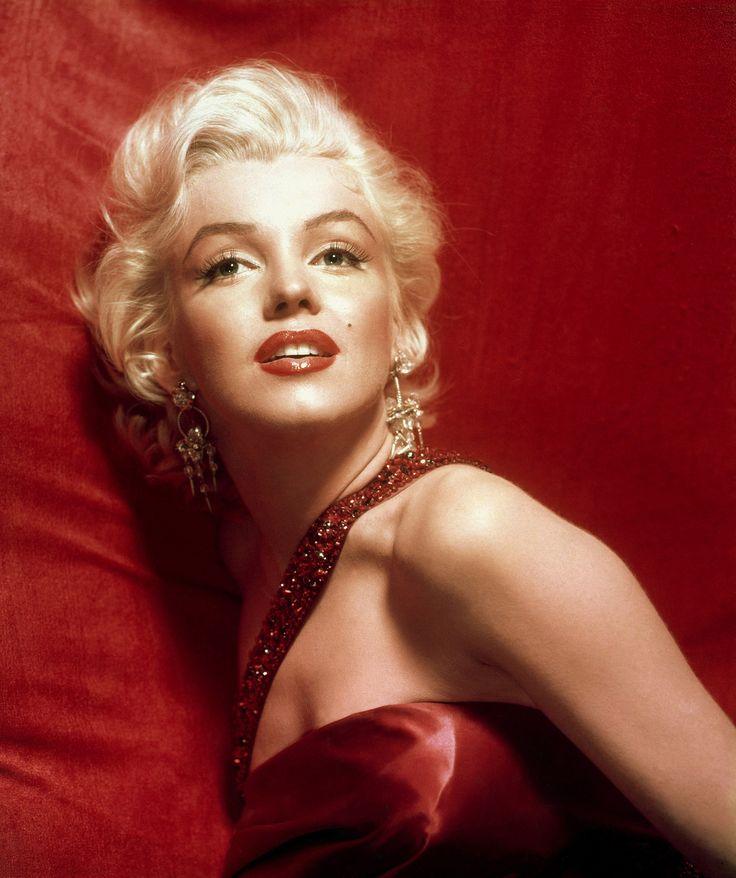 Marilyn Monroe Famous Picture In White Dress - wallpaper.