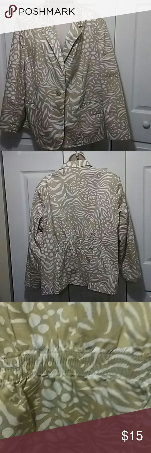 Susan Graver Tan and Cream Jacket Susan Graver Tan and Cream Jacket Fully Lined Susan Graver Jackets & Coats