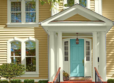 Lowes ivory siding valspar color in action metal roof pinterest home colors and paint for Lowes exterior paint color schemes