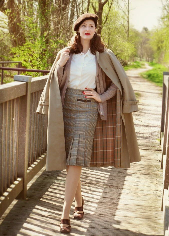 Lilly Jarlsson - 1940s / 1950s style vintage coat