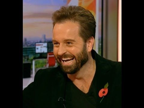 Alfie Boe - BBC Breakfast News on Nov 7 2013 (interview and live song)