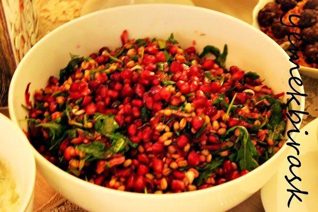 narlı, rokalı firik salata    Sofranın gerçek anlamda başrol oyuncusuydu herkes tarafından çok beğenildi. Orjinal tarif deriz ya bu salat...