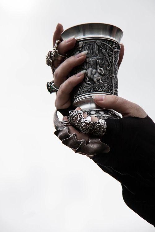 Finger armor.   Want.