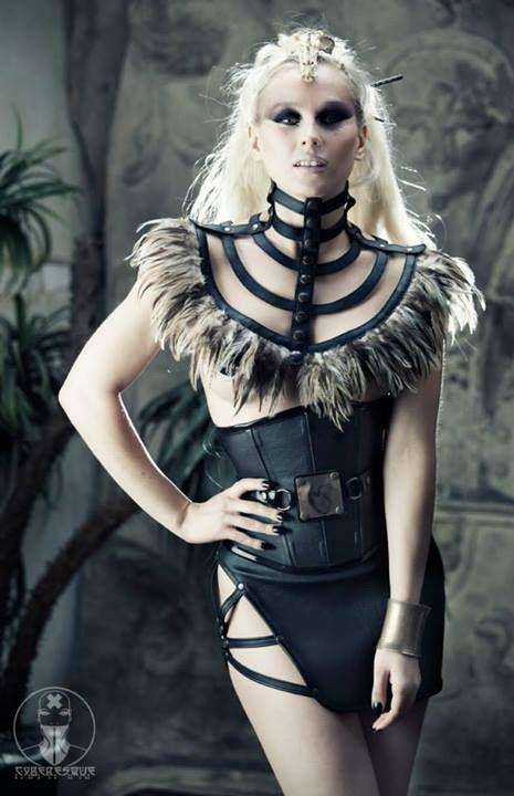 neck corset http://www.pinterest.com/jaxtelford/textile-art/?utm_campaign=activity&e_t=7a287e131b624d26aa9d46ae79b695dd&utm_medium=2003&utm_source=31&e_t_s=board