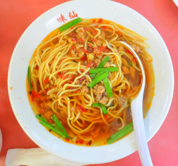 元祖台湾ラーメンの『味仙』台湾ラーメン アメリカン!は、スープたっぷり!