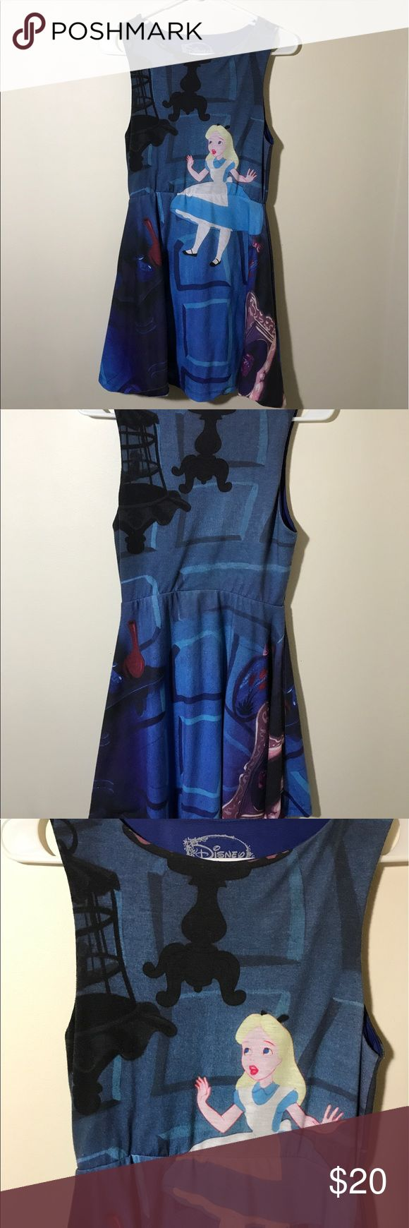Alice in Wonderland Short Dress This is very cute, unique and short dress. It displays Alice from Alice in Wonderland and the dress is from Hot Topic. Its in a size Small (3-5) and has never been worn, but has been washed once. ☕️❤️ Hot Topic Dresses Mini